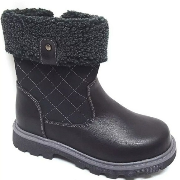 Other - 🍁☁⛅ Kids Black Quilted Boots 🍁☁⛅